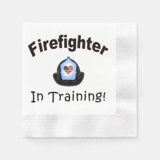 Brandman i utbildning pappersservett