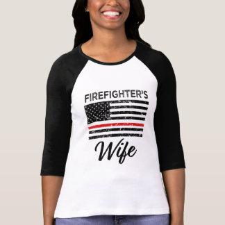 Brandman kvinna för röd linje för fru tunna t shirt