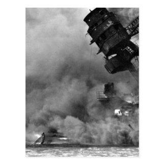 Bränningen för USS ARIZONA efter the_War avbildar Vykort