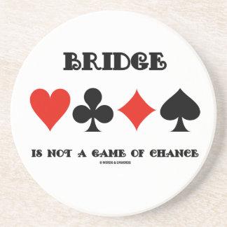 Bridge är inte en lek av riskerar (fyra kortkostym underlägg