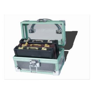 BriefcaseInSeeThroughTrunk061315.png Vykort