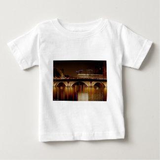 Bristol överbryggar t-shirt