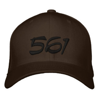 Broderad hatt 561