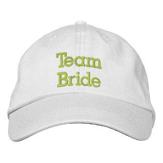 Broderad hatt för lag brud