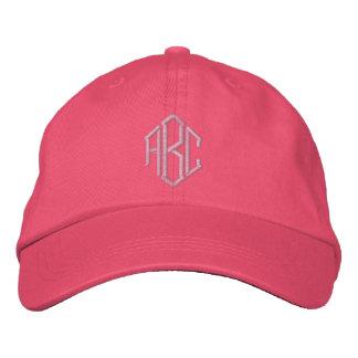 Broderad hatt för Monogrambrölloplag