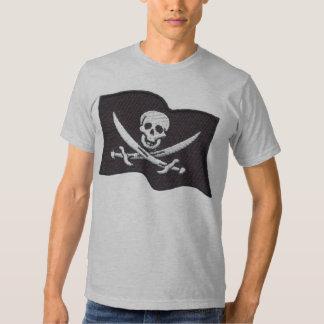 Broderad inpassade manar för piratflaggagrå färg t-shirt