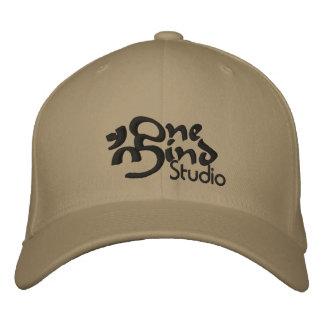 Broderad Sladd-Passform hatt