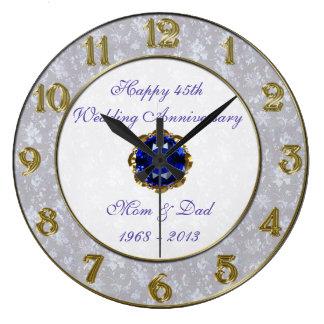 Bröllopsdagen för damast 45th tar tid på stor klocka