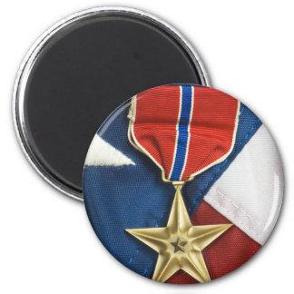 Brons stjärnan på amerikanska flaggan kylskåpsnagnet