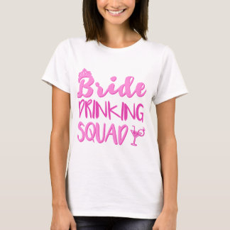 Brud som dricker det SquadBachelorette partyet T-shirt