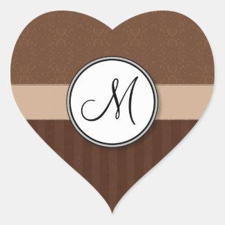 Brun damast för läder med randar och monogramen hjärtformat klistermärke