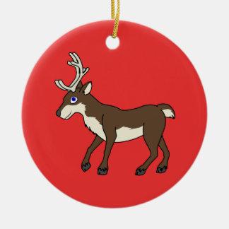 Brun ren med horn på kronhjort rund julgransprydnad i keramik
