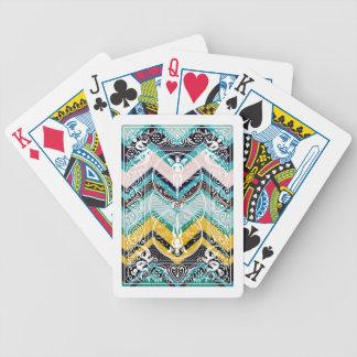 Bruna Charlie sparrar för FauxtygFo Sho Spelkort