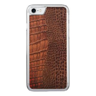 Brunt läder för alligatorklassikerreptil (fauxen) carved iPhone 7 skal