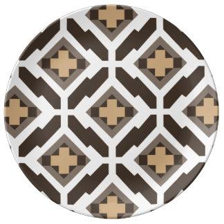 Brunt och beige geometrisk mosaik porslinstallrik