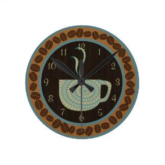 Brunt och kricka för koppnolla-kaffe rund klocka