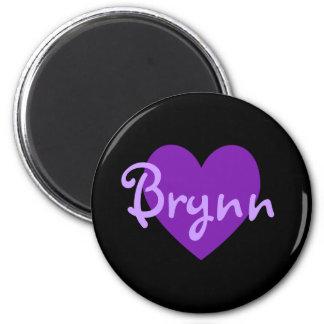 Brynn purpurfärgad hjärtadesign magnet
