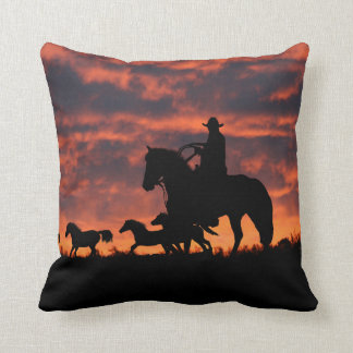 Brytningen för Cowboyranchdekoren kudder Kudde