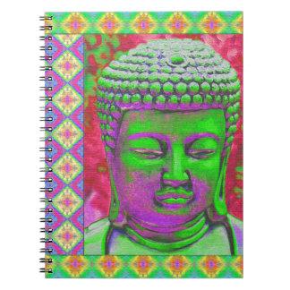 Buddha pop med Patchworkgränser i grönt och rött Anteckningsbok