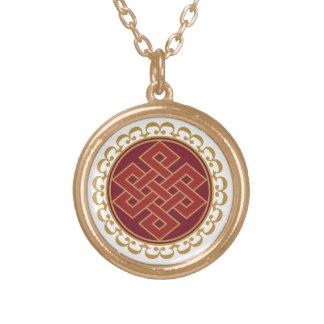 Buddistiskt ändlöst eller evigt fnurramönster guldpläterat halsband