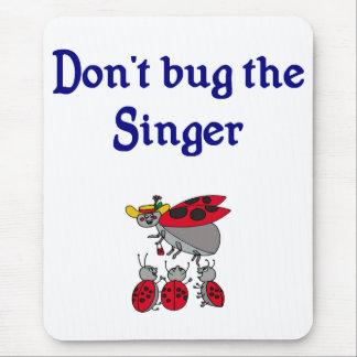 Bugga inte sångaren som musen vadderar musmatta