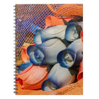 bukett av handgjorda ro anteckningsbok med spiral
