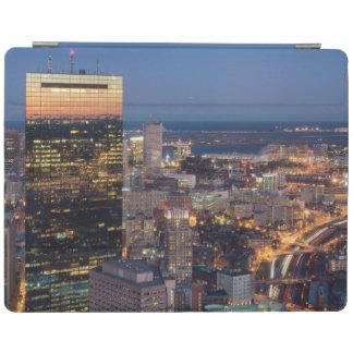 Byggnad av Boston med ljusa slingor på vägen iPad Skydd