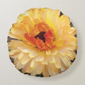 Calendula pillow rund kudde