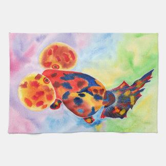Calico bubblar ögat som guldfisken räcker handduke kökshandduk