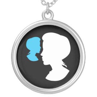 Cameo för VictorianflickaSilhouette Silverpläterat Halsband