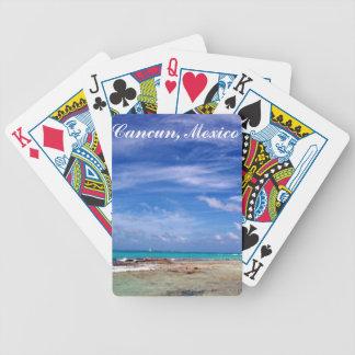 Cancun Mexico som leker kort Spelkort