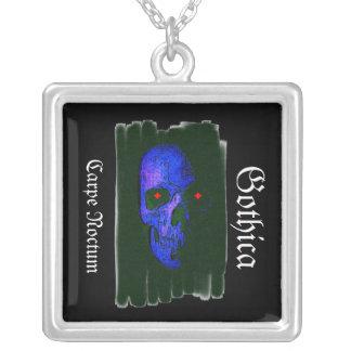 Carpe Noctum, Gothica. . Halsband Med Fyrkantigt Hängsmycke