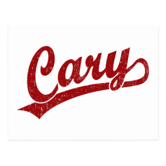 Cary skrivar logotypen i rött vykort