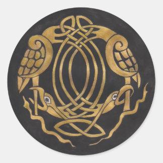 Celtic fnurra med fåglar runt klistermärke