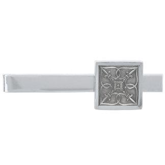 Celtic fnurradesign för stiligt elegantt silver slipsnål med silverfinish
