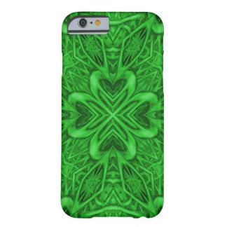 Celtic fodral för iPhone 6 för klöver knappt där Barely There iPhone 6 Fodral