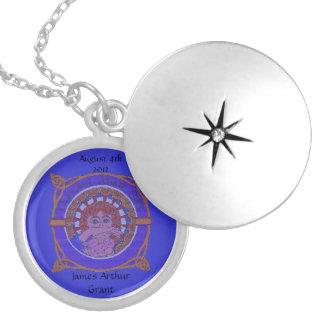 Celtic pläterad Locket för födelsevälsignelse Silverpläterat Halsband