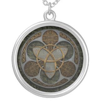 Celtic Trinity skyddar Silverpläterat Halsband