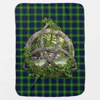 Celtic Trinityfnurra och klanGordon Tartan Bebisfilt