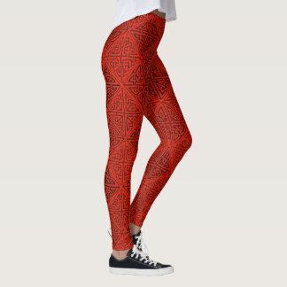 Celticfnurror i rött leggings