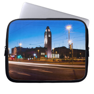 Central Helsingfors under blåtttimme Laptop Sleeve