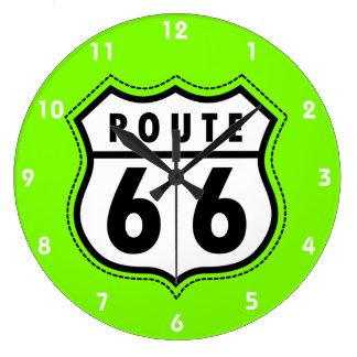 Chartreuse vägmärke för rutt 66 för neon grönt stor klocka