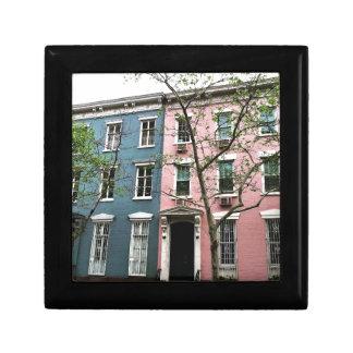 Chelsea Townhouses, NYC Presentskrin
