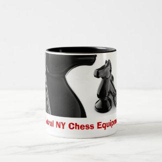 chess__knight_rook schackutrustning för central NY Två-Tonad Mugg