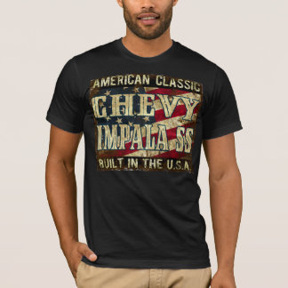 Chevy Impala SS - klassikerbil som byggas i USA T-shirt