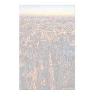 Chicago som är i stadens centrum på solnedgången brevpapper
