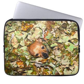 Chihuahua i höst löv laptop sleeve