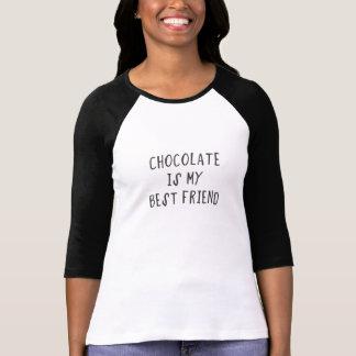 Choklad är min bästa vän tee shirt