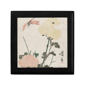 Chrysanthemums och slända av Keisai Eisen Presentskrin