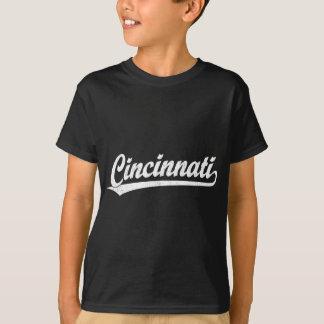 Cincinnati skrivar logotypen i vit tröjor